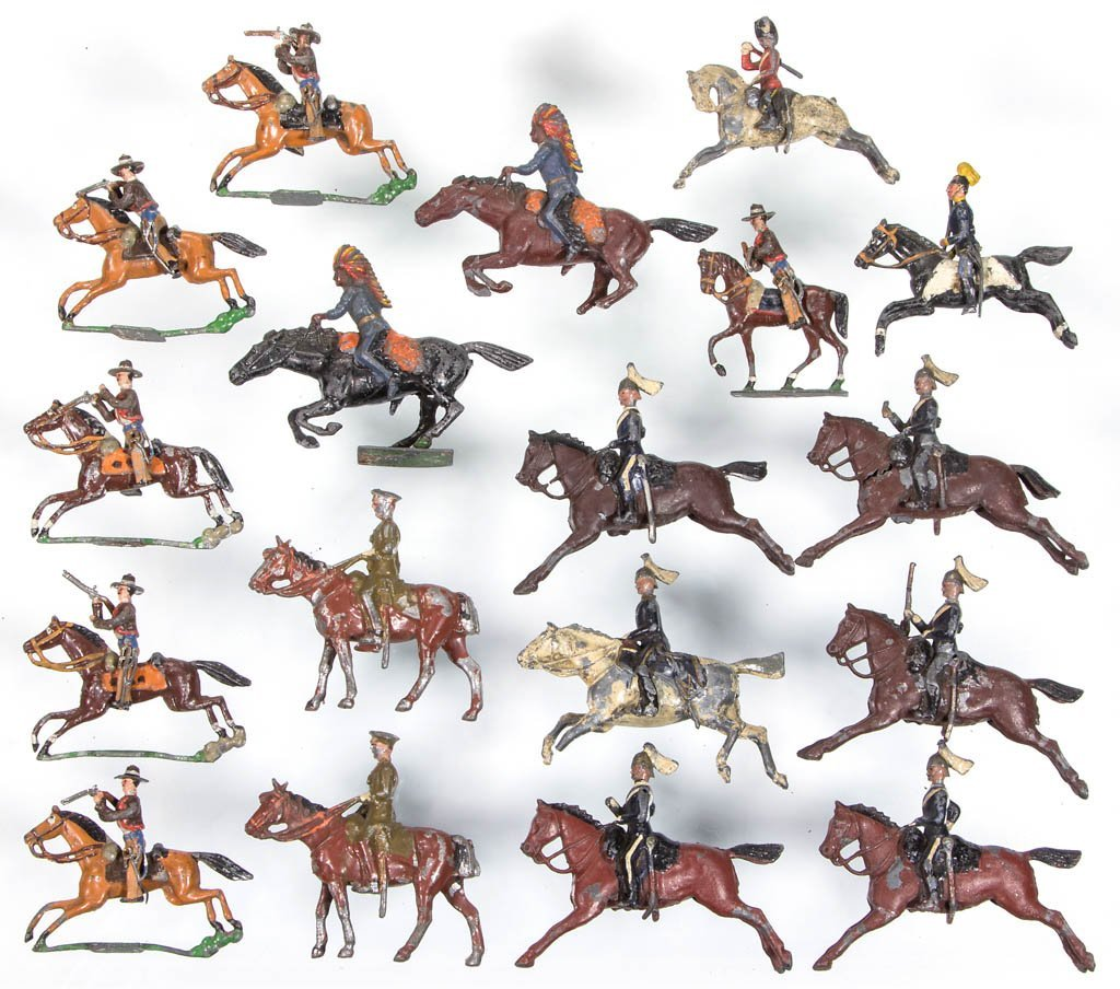 ASSORTED CAST-LEAD TOY SOLDIERS, LOT OF 18