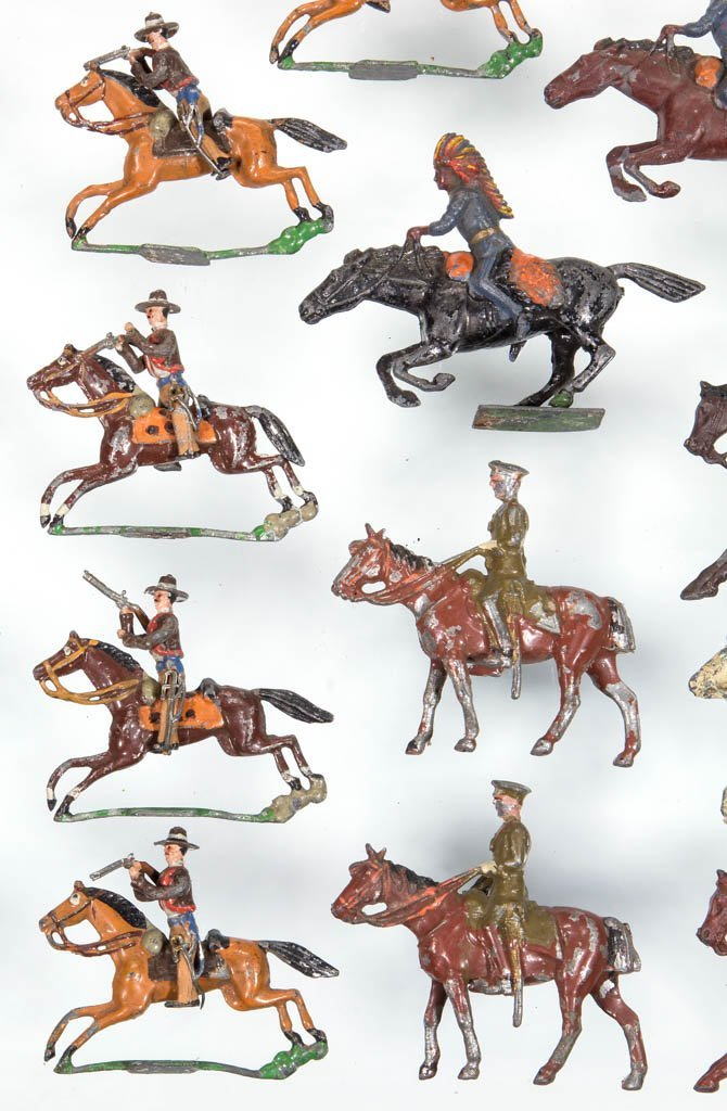 ASSORTED CAST-LEAD TOY SOLDIERS, LOT OF 18 - 2
