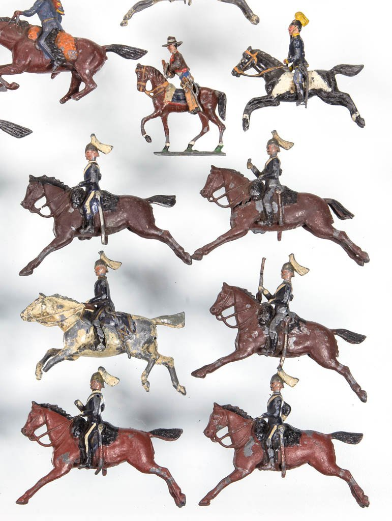 ASSORTED CAST-LEAD TOY SOLDIERS, LOT OF 18 - 3
