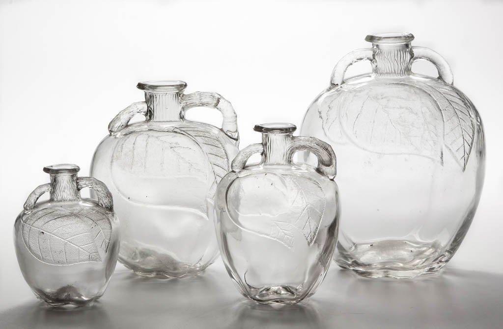 WHITE HOUSE VINEGAR GLASS APPLE JUGS, SET OF FOUR