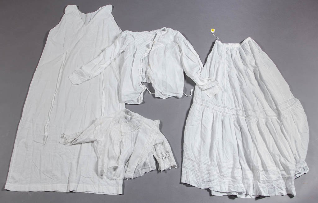 ASSORTED VICTORIAN LADY'S CLOTHING ARTICLES, LOT OF