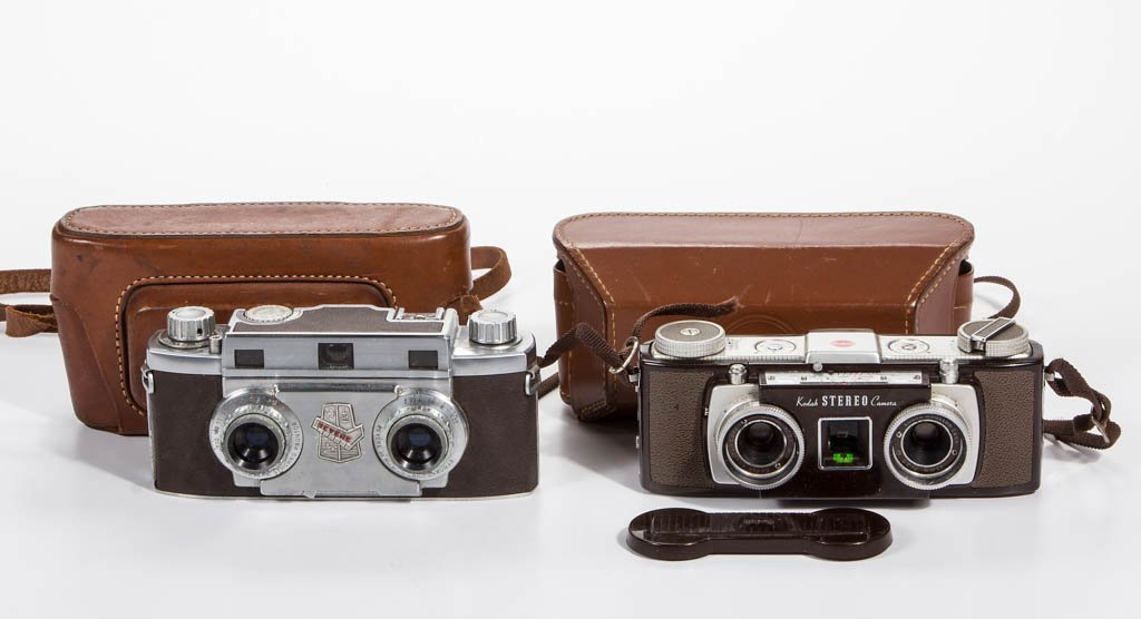 ASSORTED VINTAGE STEREO CAMERAS, LOT OF TWO