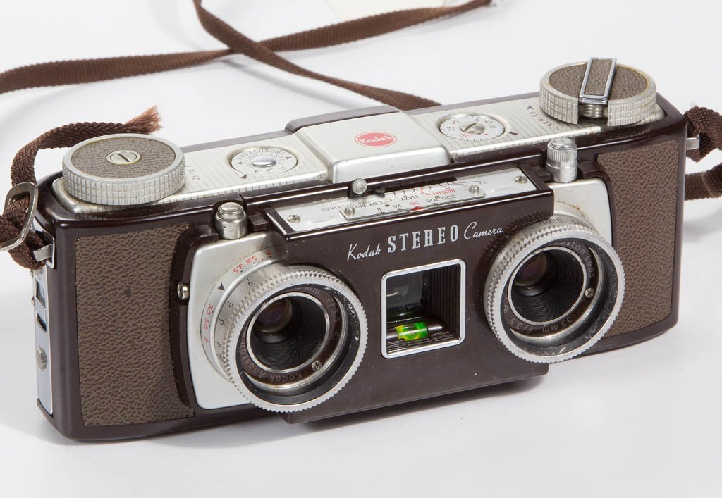 ASSORTED VINTAGE STEREO CAMERAS, LOT OF TWO - 5