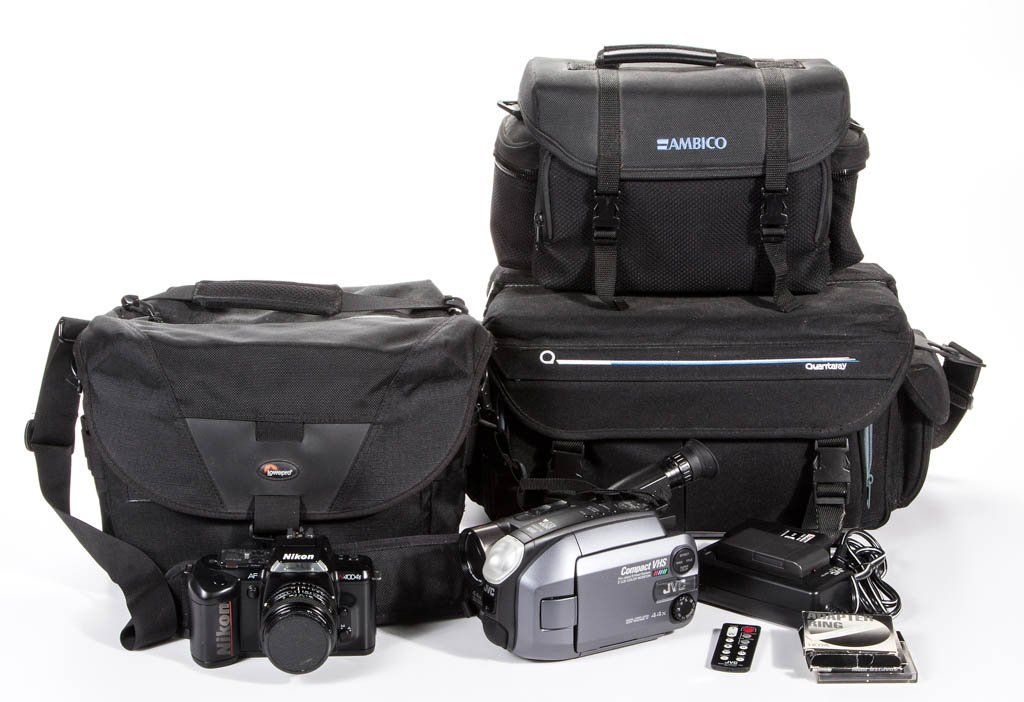 ASSORTED PHOTOGRAPHY AND VIDEO CAMERA ARTICLES, LOT OF