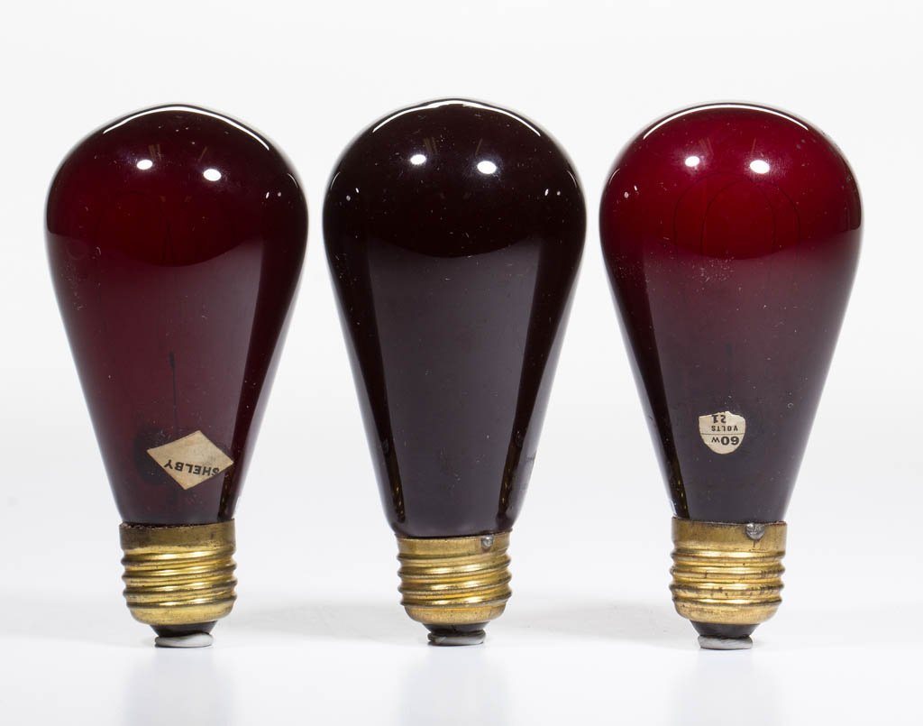 ASSORTED SHELBY AND OTHER COLORED GLASS LIGHT / LAMP