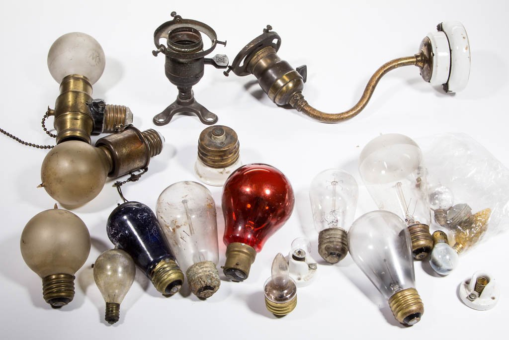 ASSORTED MANUFACTURERS LIGHT / LAMP BULBS AND SOCKETS, - 2