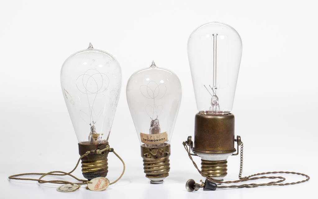 ASSORTED DIMMER RELATED LIGHT / LAMP BULBS AND