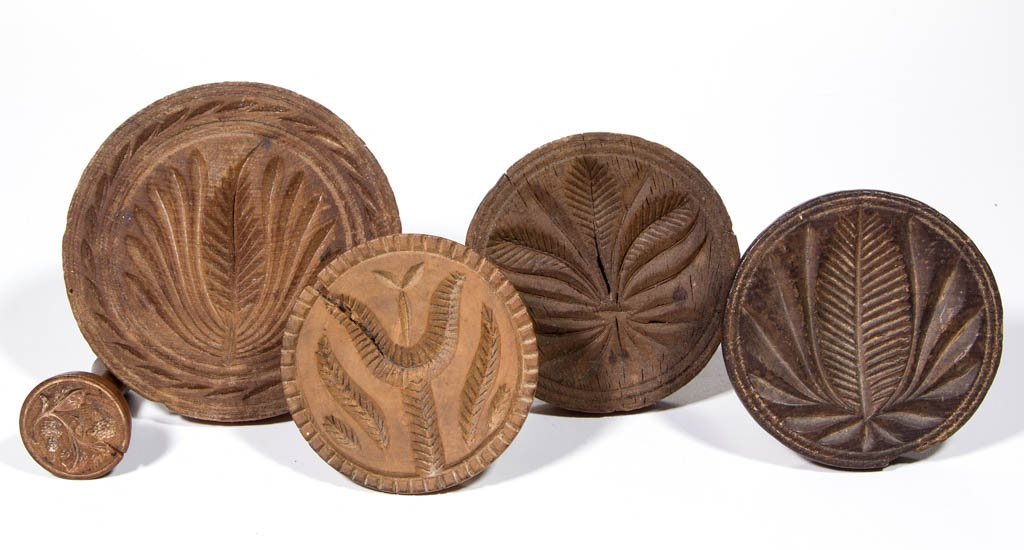 AMERICAN CARVED TREEN BUTTER PRINTS, LOT OF FIVE