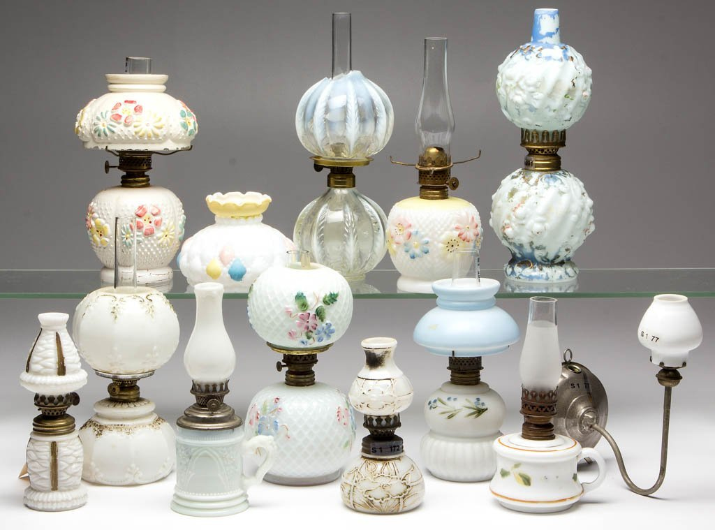 ASSORTED PATTERN MINIATURE LAMPS, LOT OF 12