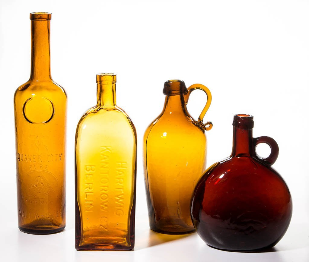 ASSORTED COMMERCIAL AND UTILITARIAN BOTTLES, LOT OF