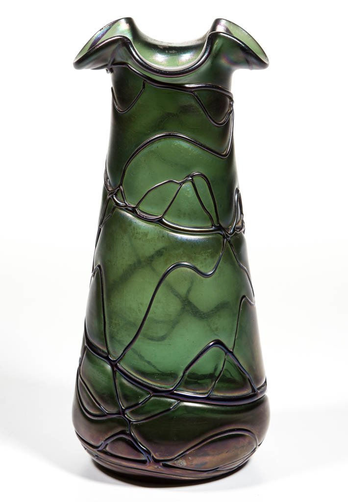 PALLME-KONIG ATTRIBUTED VEINED ART GLASS VASE
