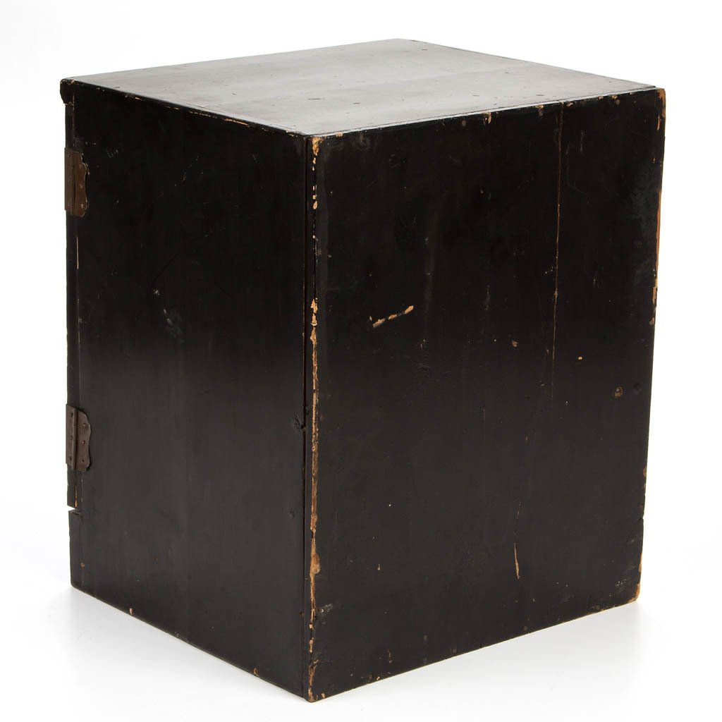 CHINESE LACQUER CABINET - 4