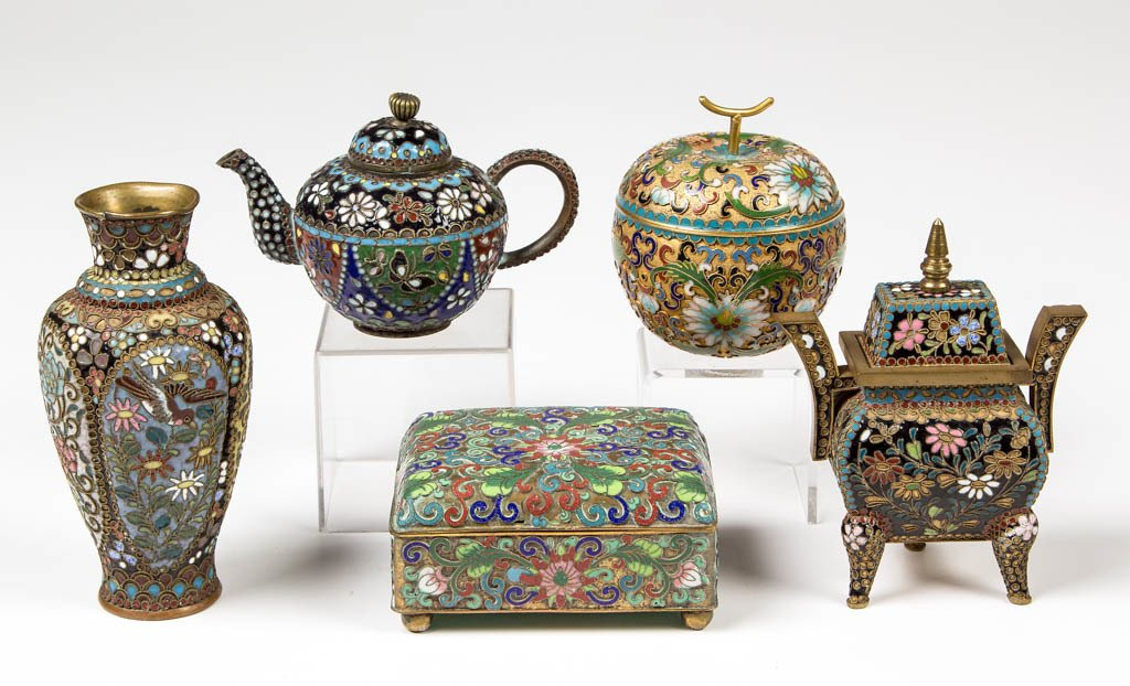 CHINESE / JAPANESE GILT AND CLOISONNE ARTICLES, LOT OF