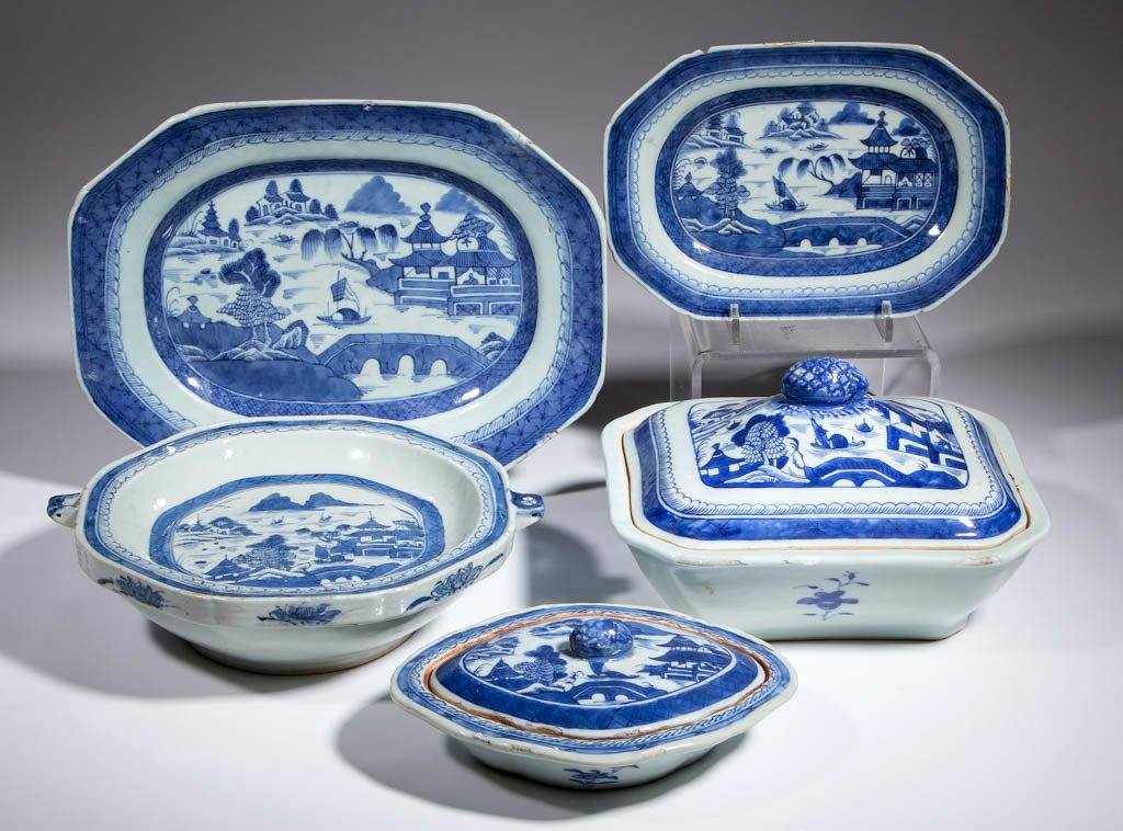 CHINESE EXPORT CANTON PORCELAIN SERVING ARTICLES, LOT