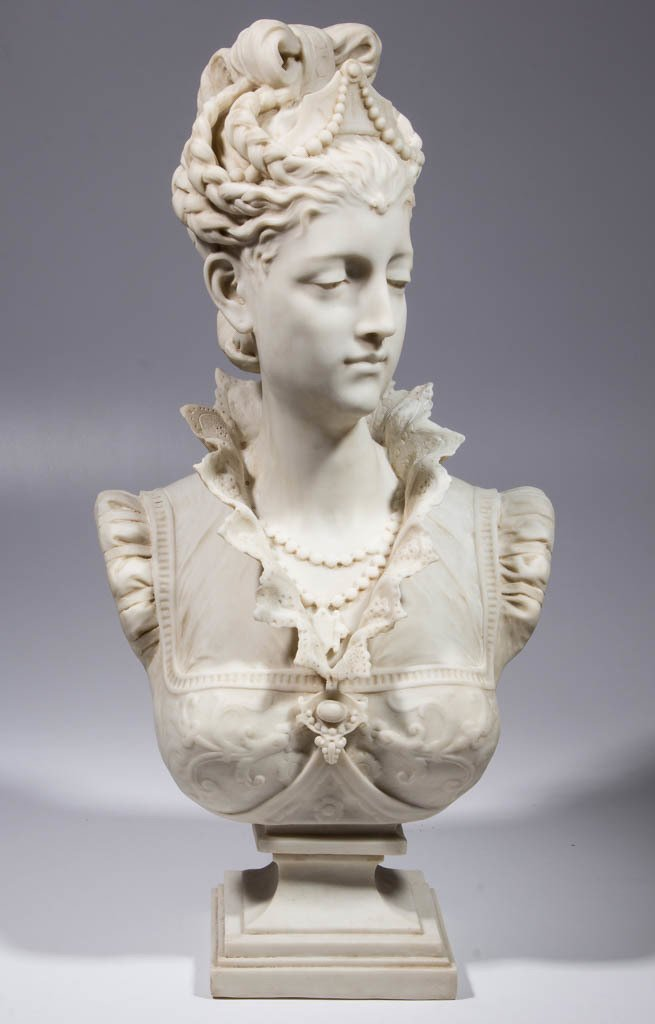 CONTEMPORARY RESIN BUST