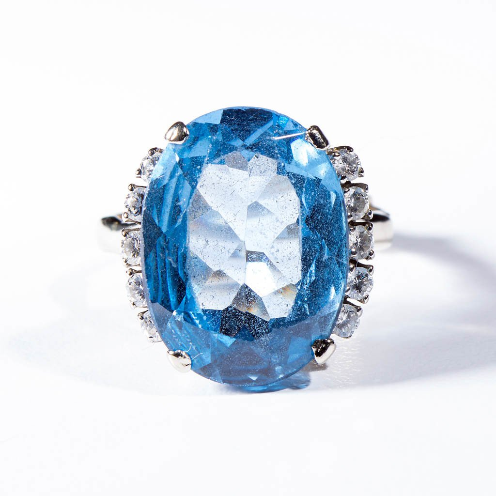 VINTAGE LADY'S 14K WHITE GOLD AND TOPAZ RING