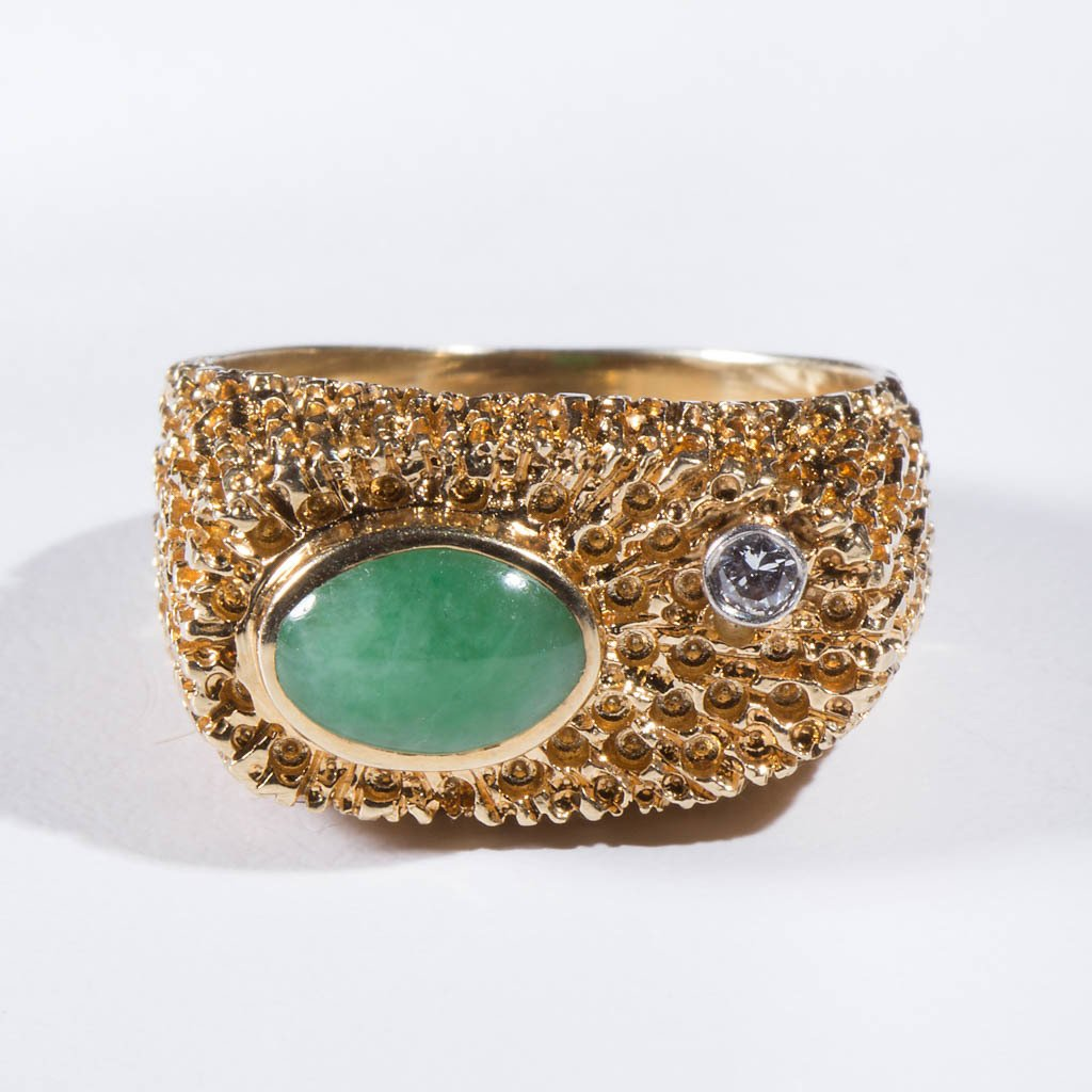 VINTAGE LADY'S 14K GOLD AND JADE RING