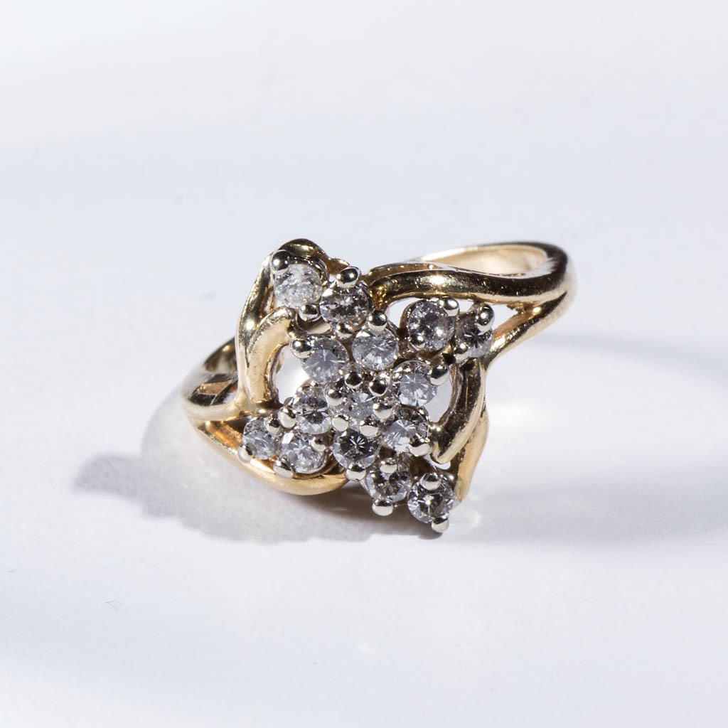 VINTAGE LADY'S 14K GOLD AND DIAMOND RING