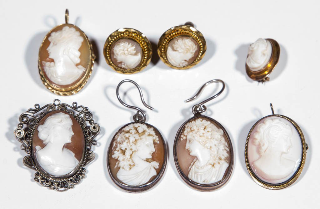 VINTAGE CARVED CAMEO JEWELRY, LOT OF EIGHT PIECES