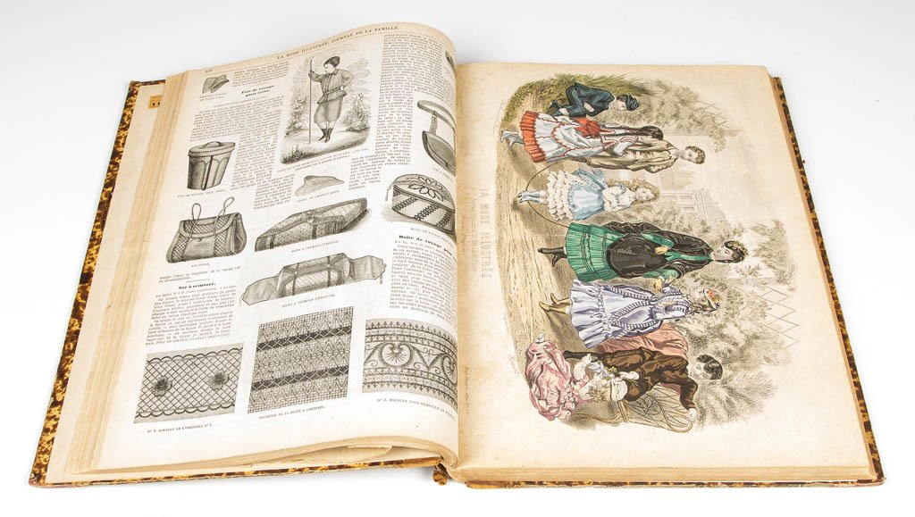 FRENCH FASHION AND SEWING BOUND VOLUME