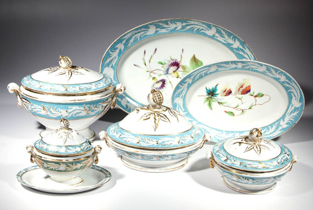 FRENCH GILT PORCELAIN ARTICLES, LOT OF 41