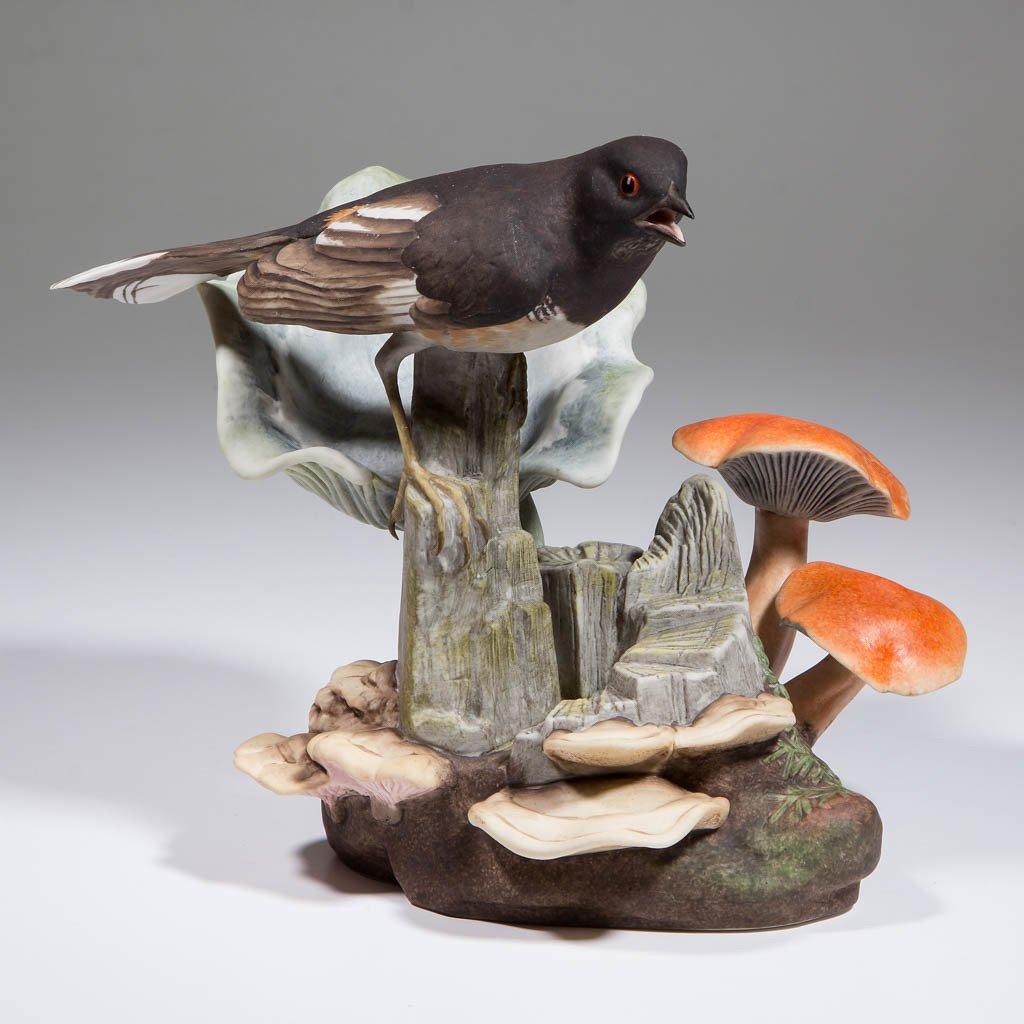 AMERICAN BOEHM TOWHEE / PIPILO PORCELAIN BIRD FIGURE