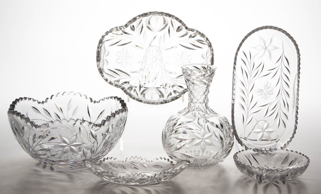 AMERICAN BUTTERFLY AND FLORAL CUT GLASS TABLE ARTICLES,
