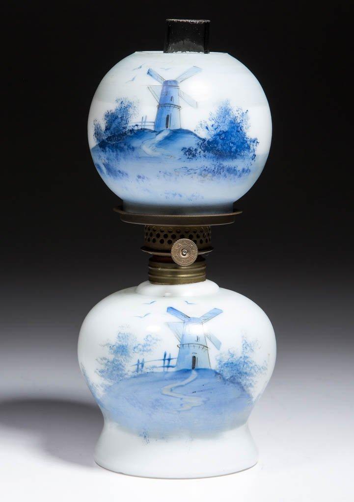 DELFT-DECORATED OPAL MINIATURE LAMP