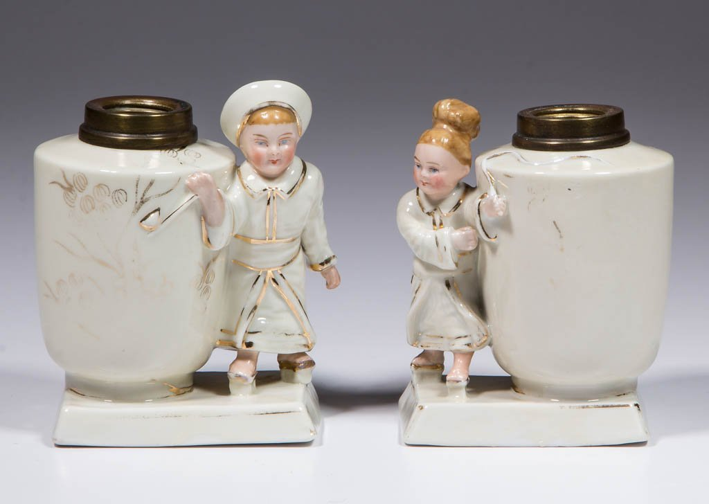 PORCELAIN COUPLE FIGURAL MINIATURE LAMPS, SET OF TWO