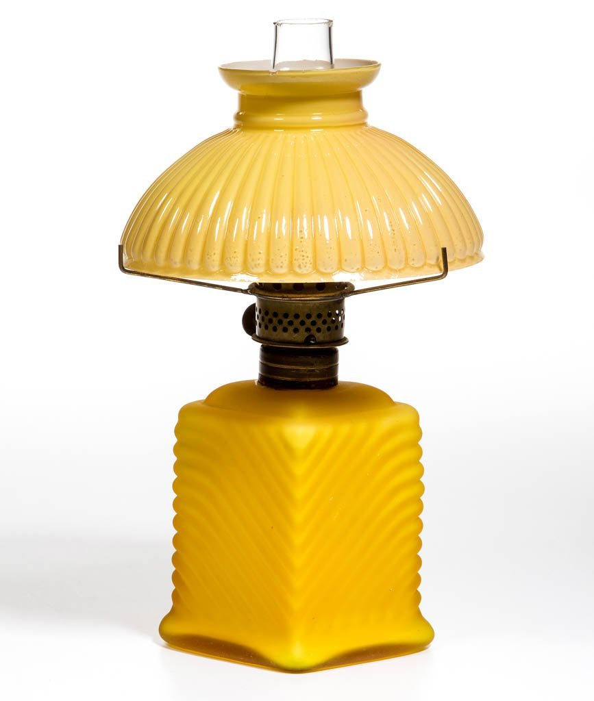 RIBBED SWIRL MINIATURE LAMP