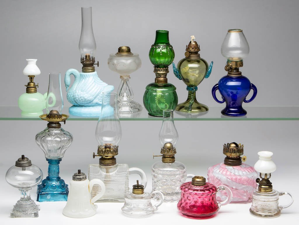 ASSORTED PATTERN MINIATURE LAMPS, LOT OF 15