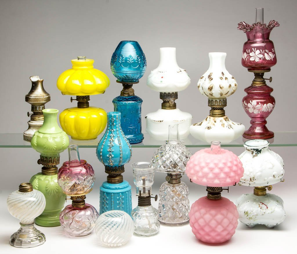 ASSORTED PATTERN MINIATURE LAMPS, LOT OF 14