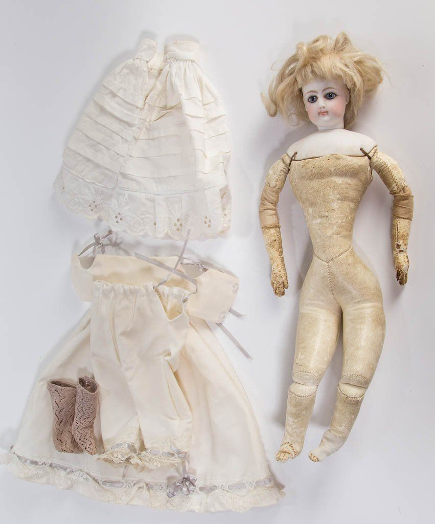 JUMEAU-TYPE FRENCH BISQUE-HEAD FASHION DOLL