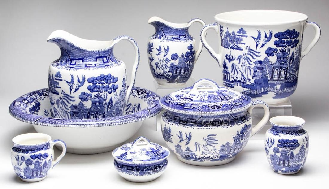 BUFFALO POTTERY BLUE WILLOW CERAMIC WASH SET, LOT OF
