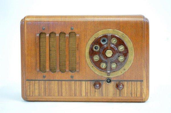 11: General Electric Vintage Radio