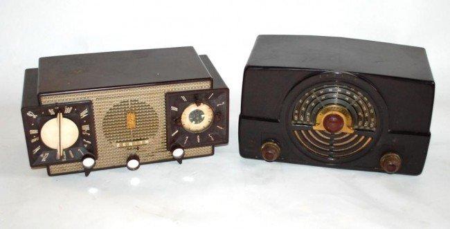 5: 2 Vintage Zenith Radios-Bakelite