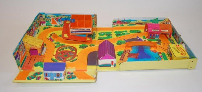 96: 1968 Hot Wheels Action City Playset-Complete - 3