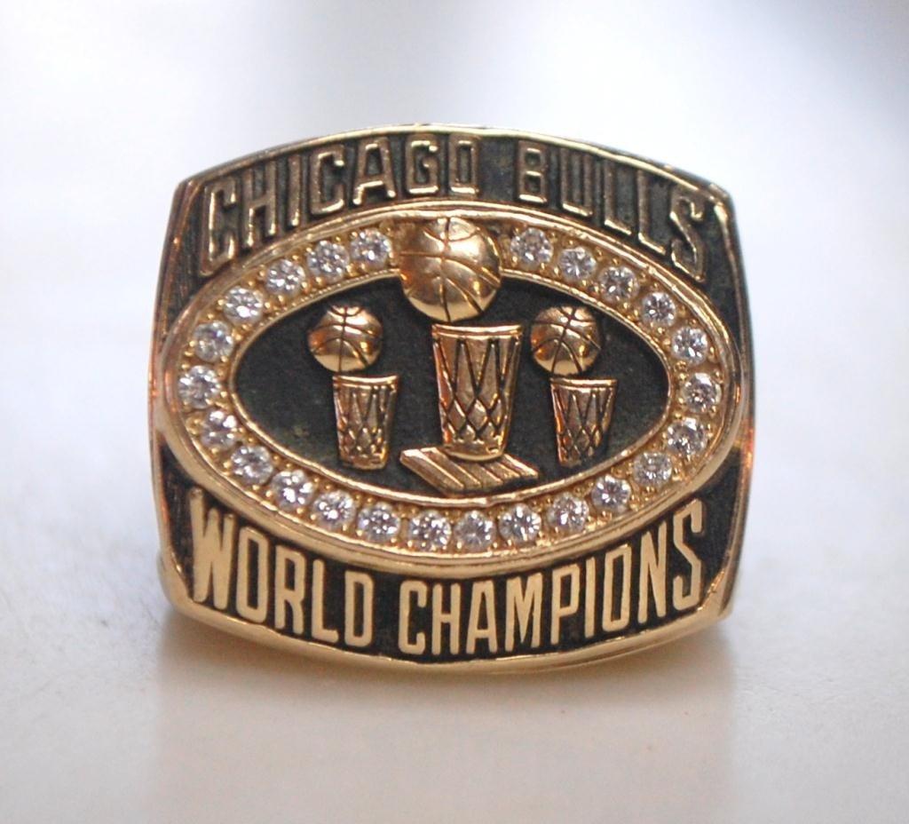 35: Michael Jordan Designed Ring Bulls Championship
