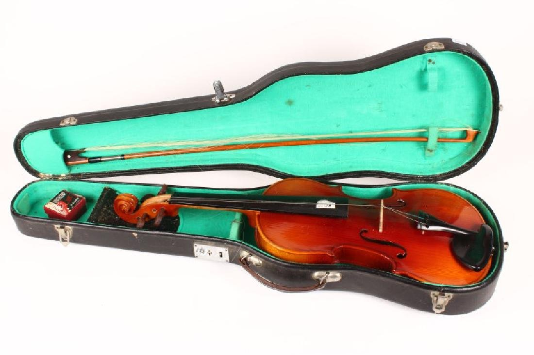 Cased Lark Violin,