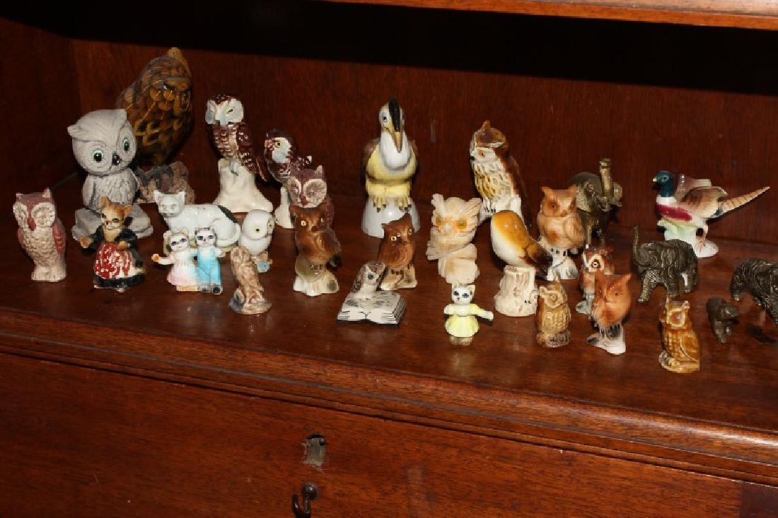 Quantity of Assorted Porcelain and Pottery Birds,