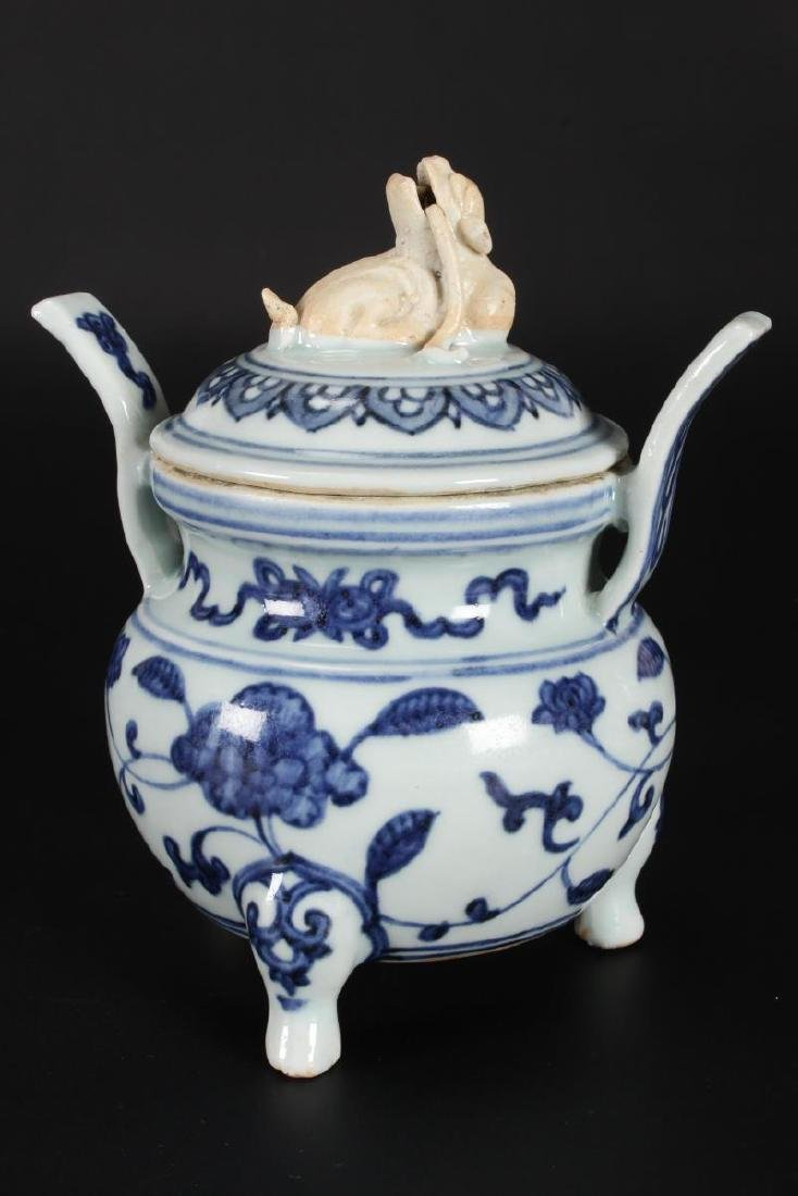Chinese Qing Dynasty Blue and White Censor and