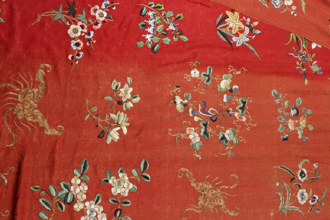 Stunning Chinese Silk, Cotton and Gold Thread - 4