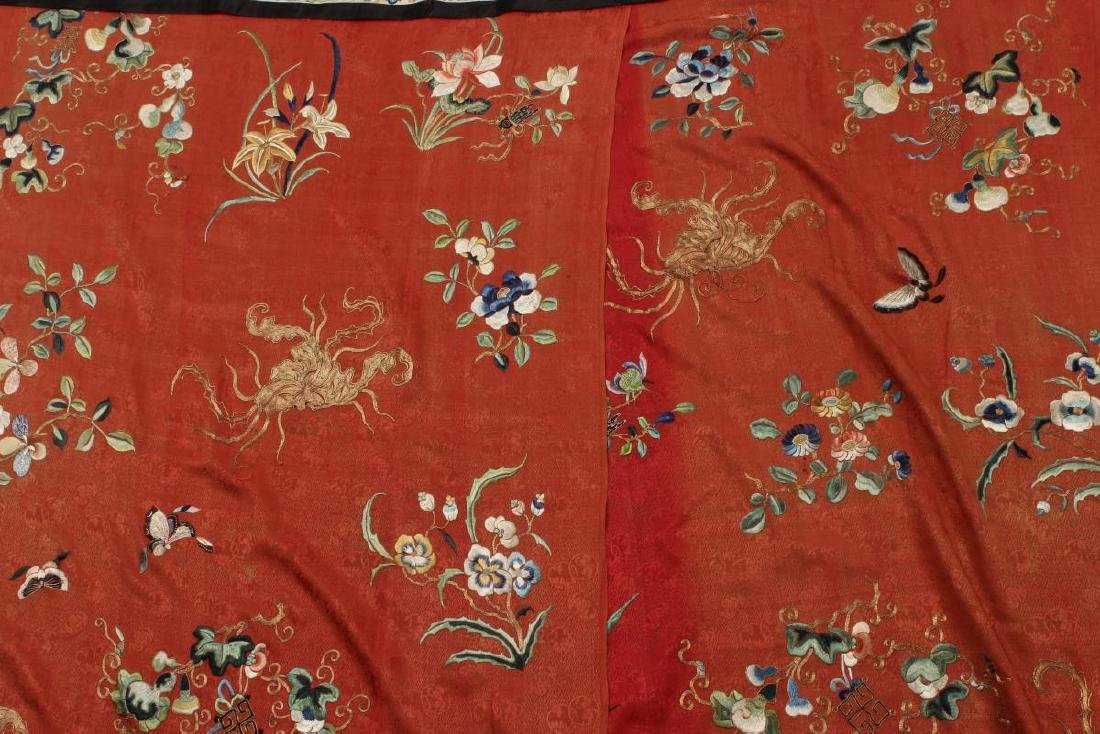 Stunning Chinese Silk, Cotton and Gold Thread - 5