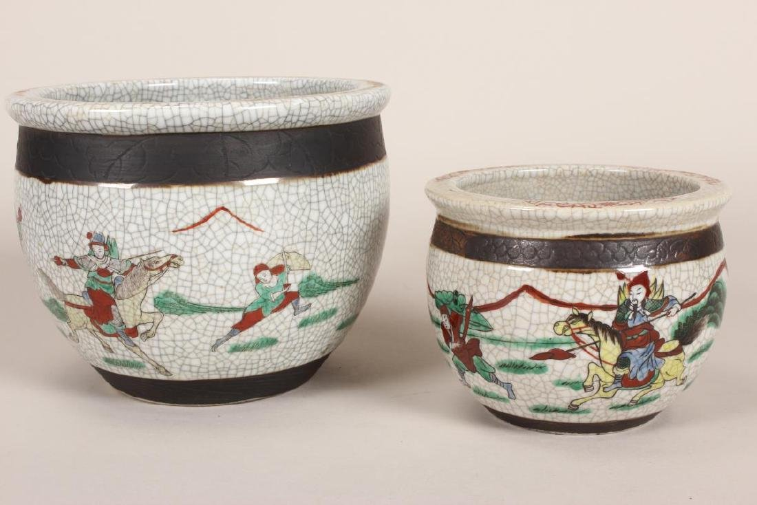 Two Chinese Crackle Glaze Famille Vert - 2