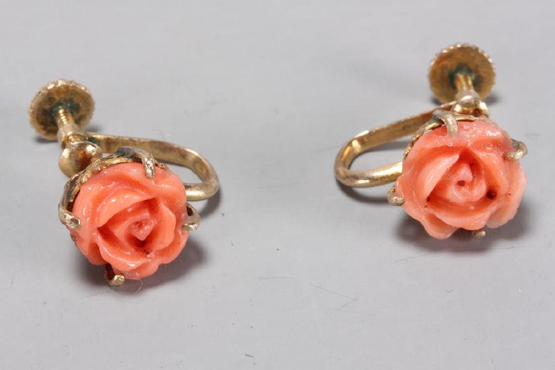 Ladies Coral and Gold Earrings,