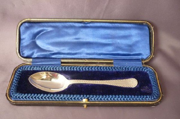 11A: Edwardian Cased English Sterling Silver Spoon,