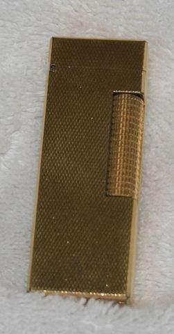 552: Gilt Dunhill Pocket Cigarette Lighter,