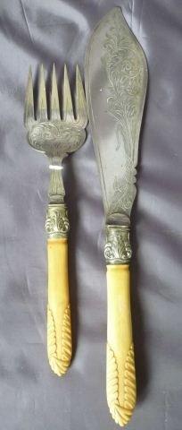 9: Pair of Late 19th Century Fish Servers,