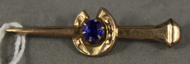 12: Victorian Gold and Sapphire Bar Brooch,