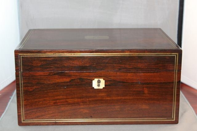 17: Beautiful Victorian Mahogany Toilet Box and Cover,